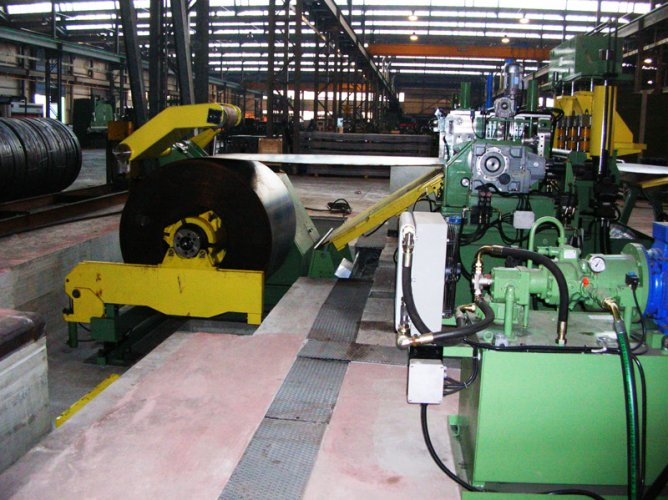 Automatic-slitting-machine-1
